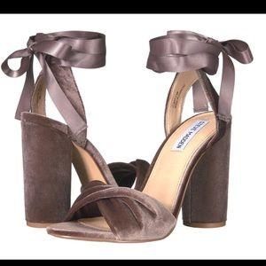1a4bee23176 Steve Madden Shoes - Steve Madden Velvet Bow Wrap Heels